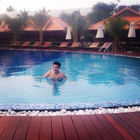 Photo taken at Maikaew Damnoen Resort | Ratchaburi by RITTHIGRAI K. on 11/23/2014