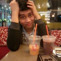 Photo taken at Dunkin Donuts by Ari E. on 2/12/2014