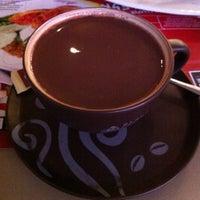 Photo taken at Black Canyon Coffee by Derio J. on 8/17/2014
