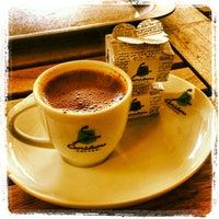 1/30/2013 tarihinde Alper O.ziyaretçi tarafından Caribou Coffee'de çekilen fotoğraf