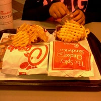 Photo taken at Chick-fil-A by Handfull on 10/13/2012