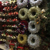 Photo taken at Christmas Tree Shops by Cinthya A. on 11/30/2015