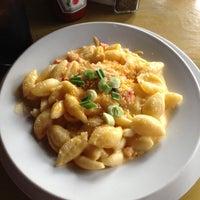 4/12/2013 tarihinde Alexis G.ziyaretçi tarafından The Hornet Restaurant'de çekilen fotoğraf