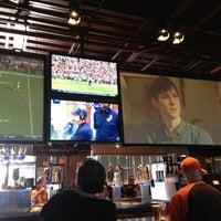 Foto scattata a Lodo's Bar and Grill da Gina W. il 11/18/2012