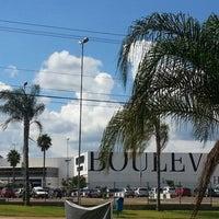 Foto tirada no(a) Boulevard Shopping por Alice S. em 12/22/2012