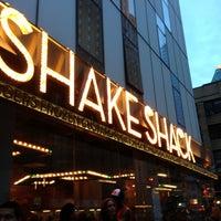 Photo taken at Shake Shack by edisonv 😜 on 7/1/2013