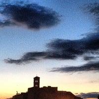 รูปภาพถ่ายที่ จัตุรัสโรมัน โดย Chris P. เมื่อ 6/12/2013