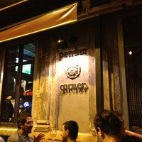 10/27/2012 tarihinde Hugo S.ziyaretçi tarafından Pendor Corner'de çekilen fotoğraf