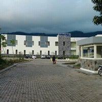 Photo taken at Puncak Raya Hotel & Resorts by Mutiara A. on 4/13/2013