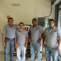 Photo taken at Viñas Autopartes by Fernando on 10/24/2014