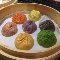 Photo taken at Din Tai Fung (鼎泰豐) by Christine F. on 6/21/2014