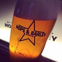 Das Foto wurde bei Hops & Barley von Joerg I. am 9/16/2015 aufgenommen