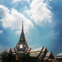 Photo taken at Wat Sothon Wararam Worawihan by Sunshine P. on 5/6/2013