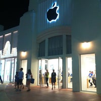 Photo taken at Apple Lincoln Road by ValeriYA on 3/6/2013