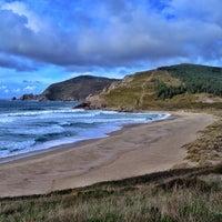 Photo taken at Praia Mar de fóra by Tania C. on 12/17/2013