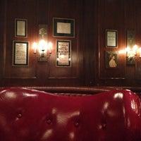 Photo taken at Hamburger Hamlet by Liset M. on 1/3/2014
