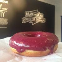 Снимок сделан в Blue Star Donuts пользователем Liset M. 4/26/2015