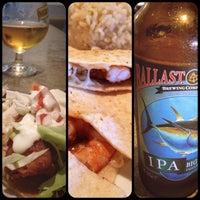 Das Foto wurde bei TJ Oyster Bar von MrsHenryBrandt am 11/23/2012 aufgenommen