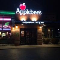 Photo taken at Applebee's Neighborhood Grill & Bar by Kobi A. on 5/1/2014