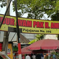 Photo taken at Bubur Ayam Pak H. Amid by Wahyu N. on 4/17/2016