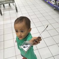 Photo taken at Hypermart Mandau City Mall by Echa on 6/2/2018