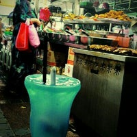 Photo taken at Pasar Malam Jalan Tuanku Abdul Rahman by Ellina M. on 10/28/2012