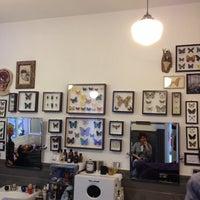 Foto scattata a Bullfrog Modern Electric Barber da Caroline-Yvonne S. il 7/26/2014