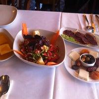 7/27/2013 tarihinde Hakan K.ziyaretçi tarafından Kanlıca Yakamoz Restaurant'de çekilen fotoğraf