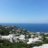 Foto scattata a Isola di Capri da mehmet ali s. il 8/18/2013