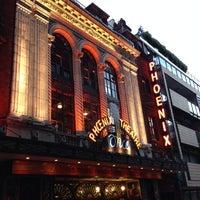 Foto tirada no(a) Phoenix Theatre por Igor T. em 9/23/2013