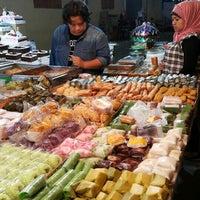 Photo taken at Pasar Kue Subuh by Nenty T. on 8/31/2015