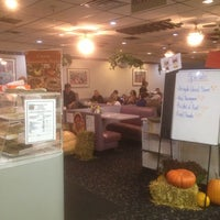 Photo taken at Moish And Itzys by Jordan S. on 11/17/2012