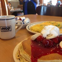 Photo taken at IHOP by Sultan A. on 6/12/2014