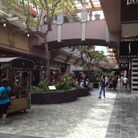 Photo taken at Ala Moana Center by Alex C. on 10/28/2012