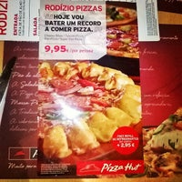 Photo taken at Pizza Hut by Luís C. on 9/13/2014
