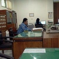 Photo taken at Ruang Sabha Dhyaksa Pemkab Lamongan by Aniez N. on 12/17/2012