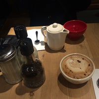 Photo taken at Le Pain Quotidien by Boyoung L. on 12/29/2014