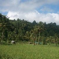 Photo taken at Tamber Siow by Yanti V. F. Runtu on 5/22/2013