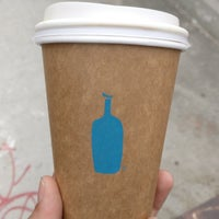 Foto tirada no(a) Blue Bottle Coffee por Guha A. em 5/7/2018