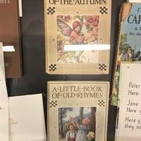 Das Foto wurde bei Penguin Books von Sue B. am 3/20/2018 aufgenommen