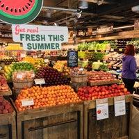 6/27/2013 tarihinde Sue B.ziyaretçi tarafından Whole Foods Market'de çekilen fotoğraf