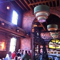 Photo prise au Chart House Restaurant par Jason H. le5/5/2013