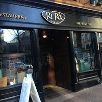 Photo taken at Rí Rá Irish Pub by Alejandro S. on 1/4/2013