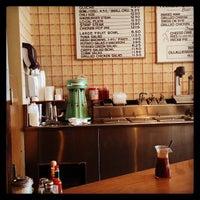 Photo taken at Pie 'n Burger by Shepherd F. on 3/25/2013