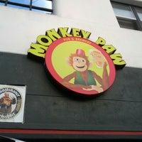 Photo prise au Monkey Paw Pub & Brewery par Scott S. le10/7/2012