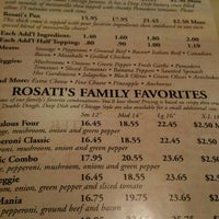 Снимок сделан в Rosati's Pizza пользователем Greg M. 2/12/2016