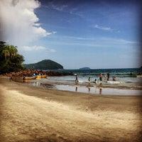Photo taken at Praia Preta by Duh R. on 1/1/2013