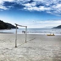 Foto tirada no(a) Praia da Lagoinha por Duh R. em 1/12/2013