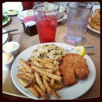 Das Foto wurde bei Hyde Park Bar & Grill South von Kris L. am 2/22/2013 aufgenommen