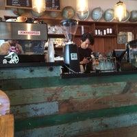 Foto tomada en Cardinal. Casa de Café. por David R. el 8/15/2015